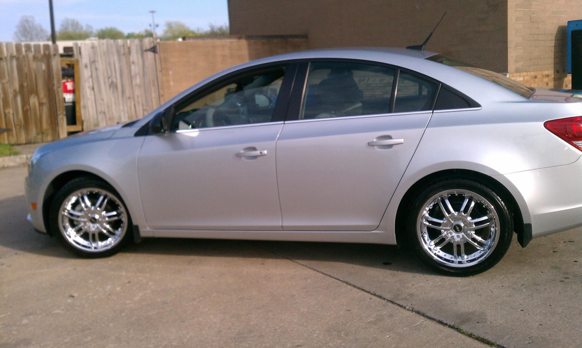2012 Chevy Cruze Tire Size >> nice wheels on the chevy cruze