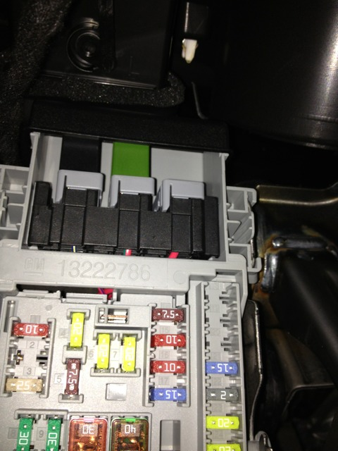 15744d1372723411 diy how make 12 power outlets hot all time imageuploadedbyag free1372723397.803167 diy how to make 12 power outlets hot all the time 2012 chevy cruze fuse box at bakdesigns.co