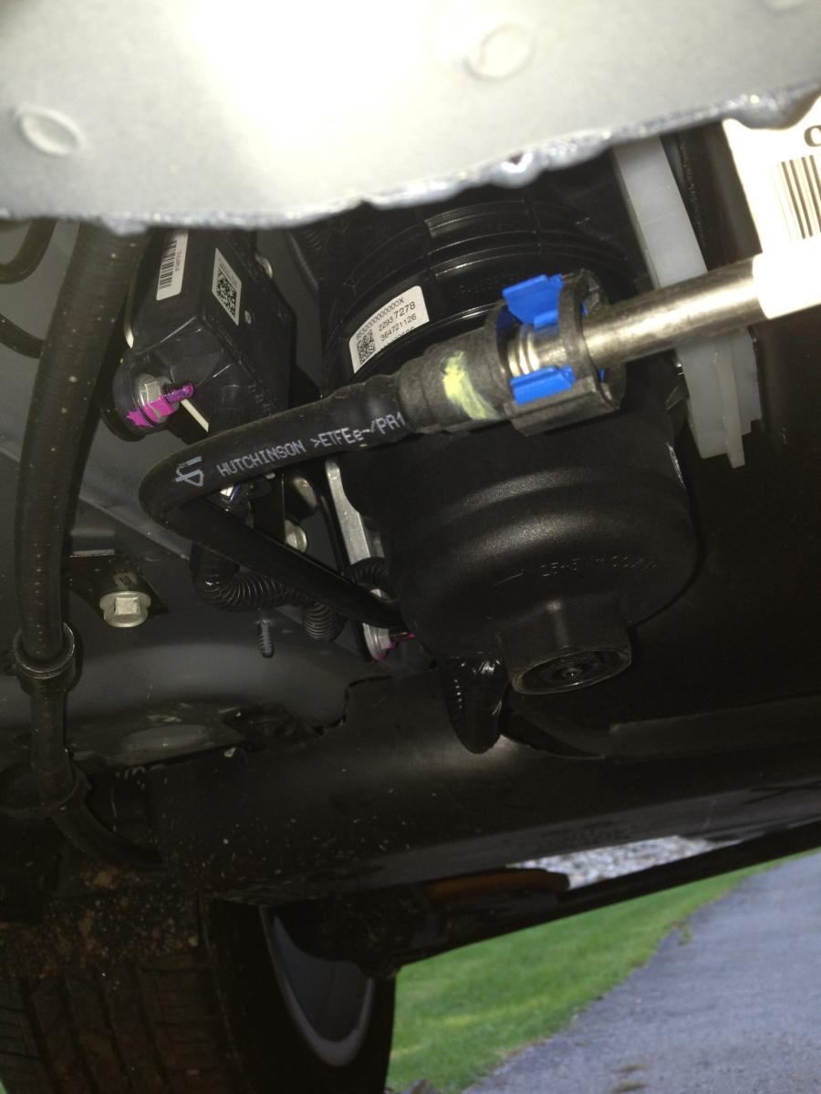 Fuel Filter Service Question Page 2 Chevy Duramax Housing Img 0191