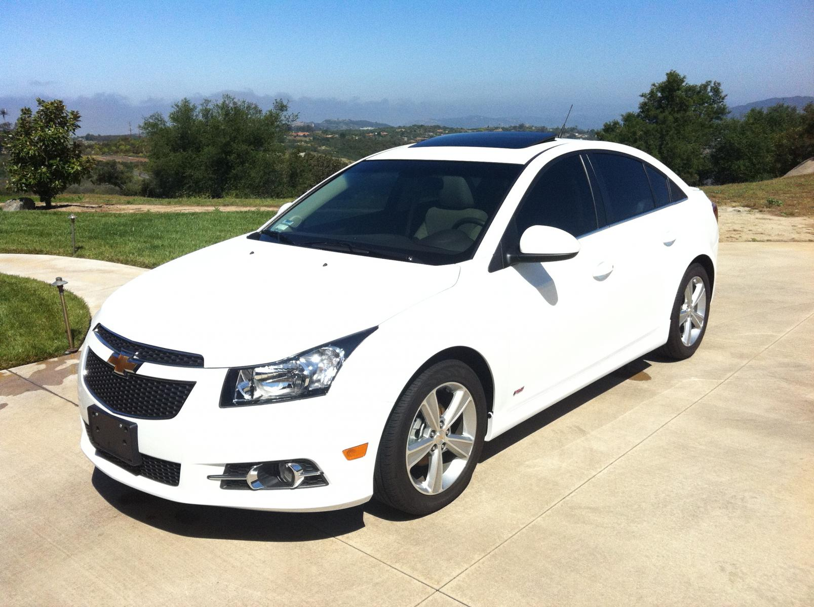 Feeler 2012 Cruze 2lt Rs 6mt Summit White In Ca Loaded